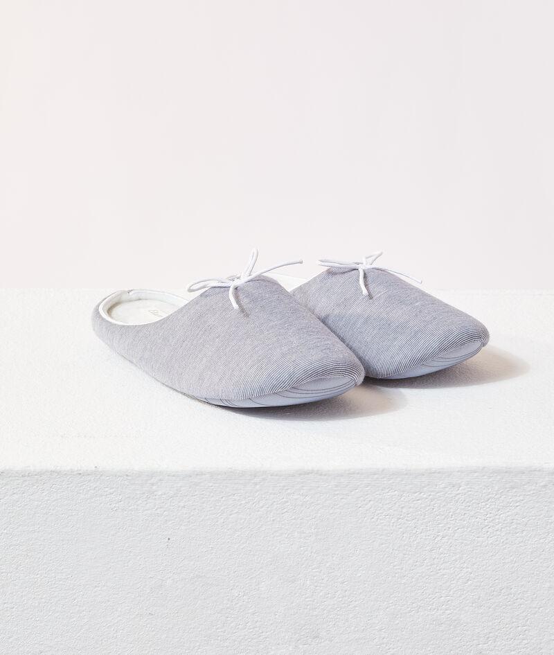 Zapatillas destalonadas