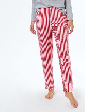 Pantalón estampado a rayas rojo.