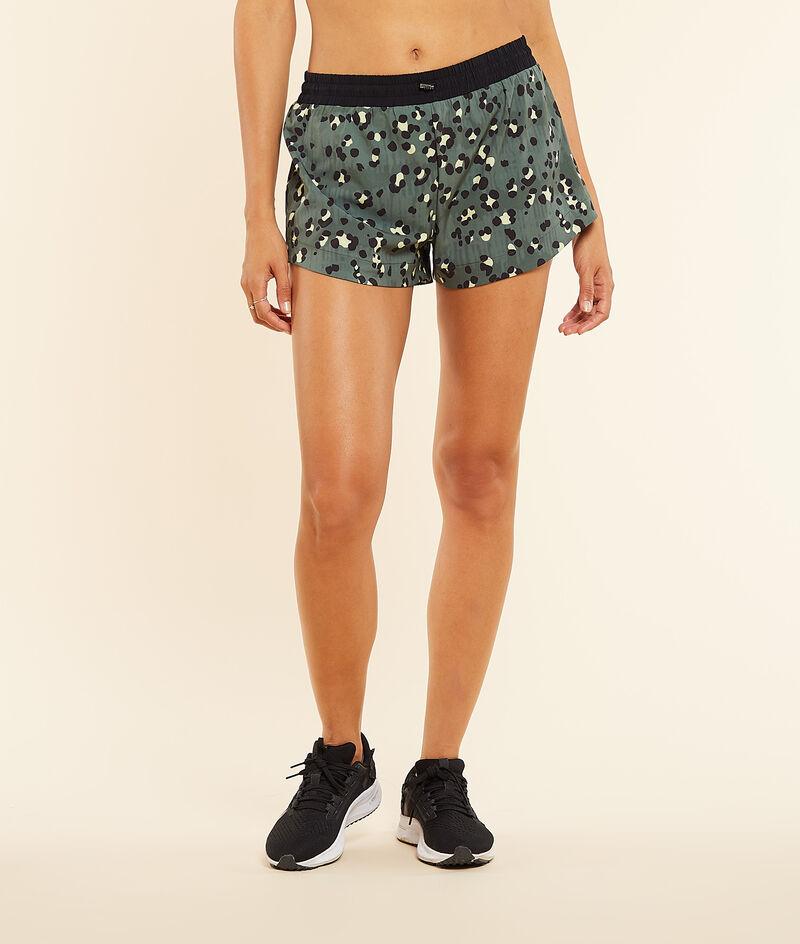 Pantalón corto deportivo, estampado leopardo;${refinementColor}