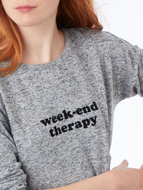 Camiseta manga larga con mensaje c.gris.