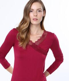 Camiseta manga larga motivos encaje burdeos.