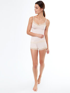Pantalón corto viscosa y encaje rosa pálido.