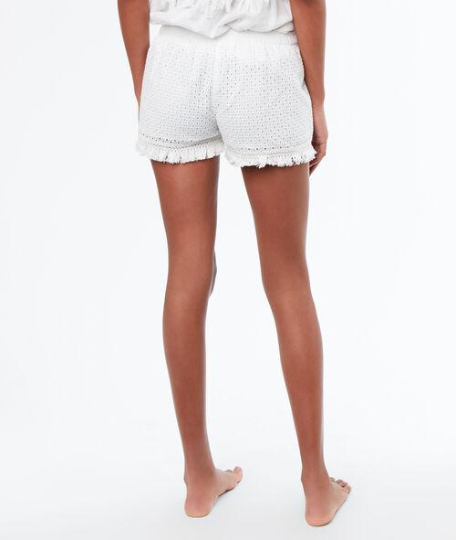 Pantalón corto bordados y flecos