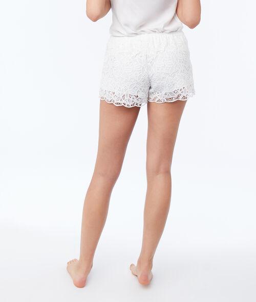 Pantalón corto guipur