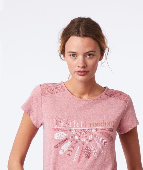 Camiseta manga corta con mensaje motivos de encaje