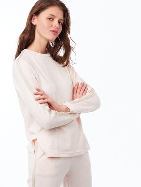 Camiseta manga larga franja lateral rosa pálido.