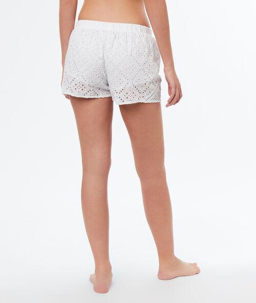 Pantalón corto bordados