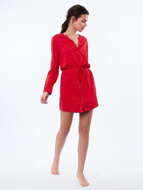 Chemise de nuit ceinturée rouge.