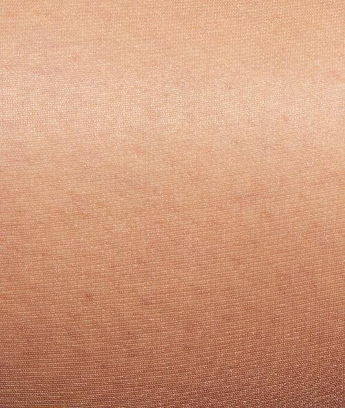 Panties efecto piernas desnudas