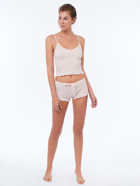 Pantalón corto suave relieve rosa.