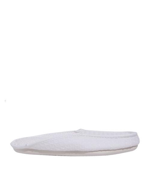 Zapatillas estampado relieve
