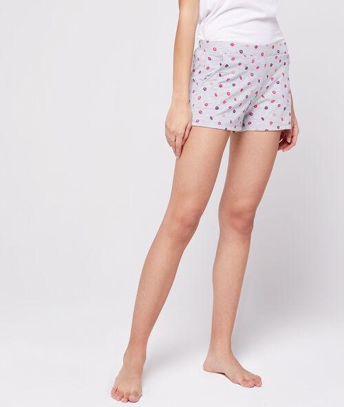 Pantalón corto estampado besos