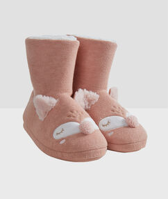 Zapatillas tipo botines osos rosa.