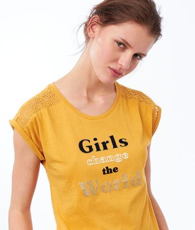 Camiseta mensaje optimista amarillo.