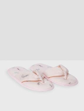 Zapatillas tipo chancla queen rosa.