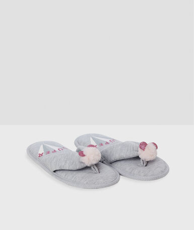 Zapatillas tipo chancla con pompones c.gris.