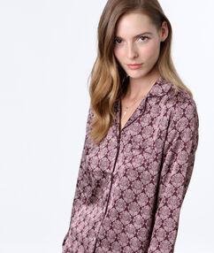 Camisa pijama estampada burdeos.