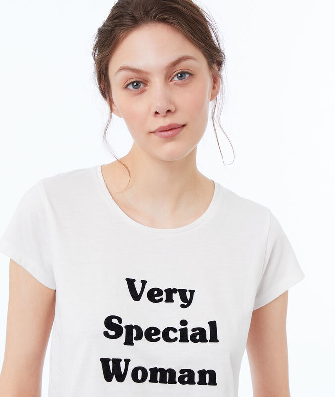Camiseta mensaje optimista blanco.