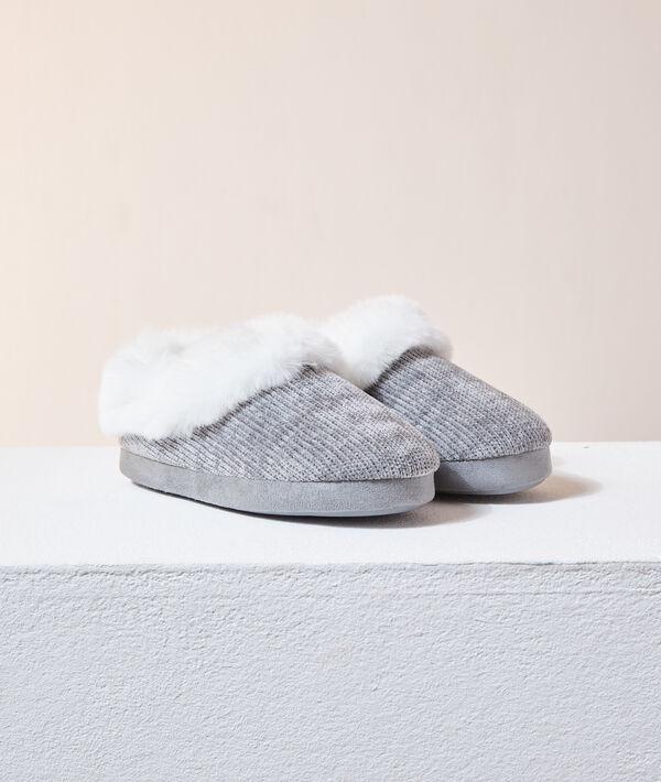 Zapatillas con forro interior;${refinementColor}
