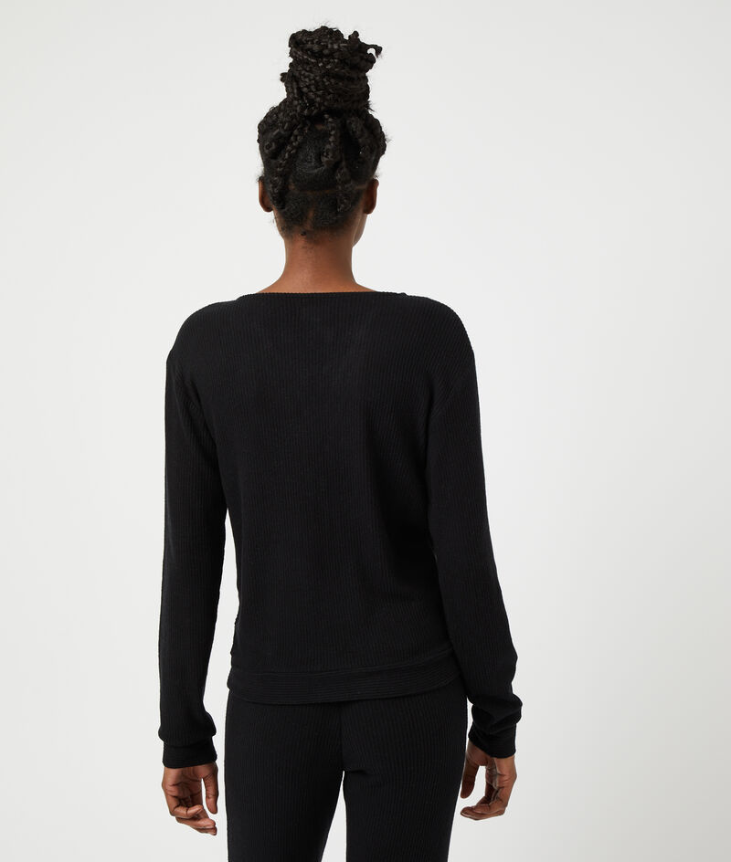 Camiseta manga larga escote en V;${refinementColor}