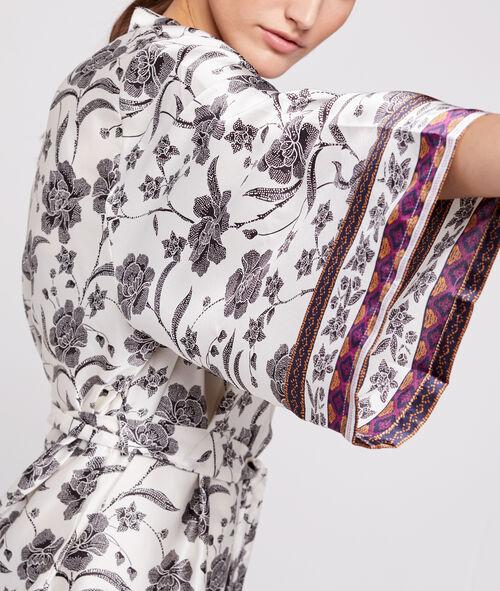 Bata tipo kimono estampado floral