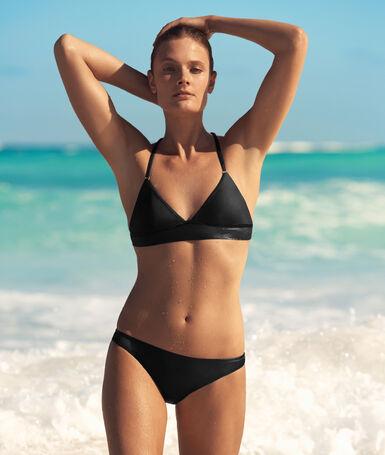Braguita bikini negro.