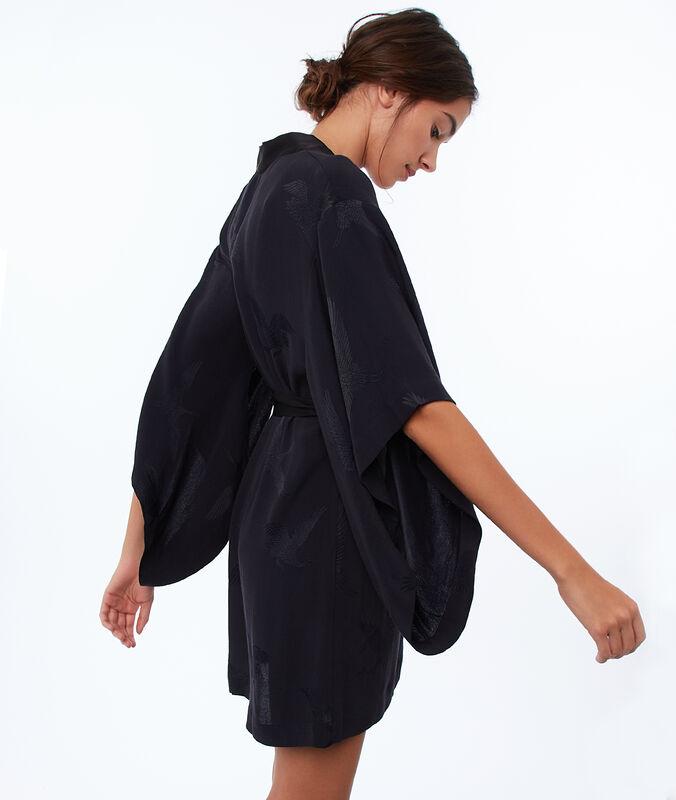 Bata tipo kimono estampado aves negro.