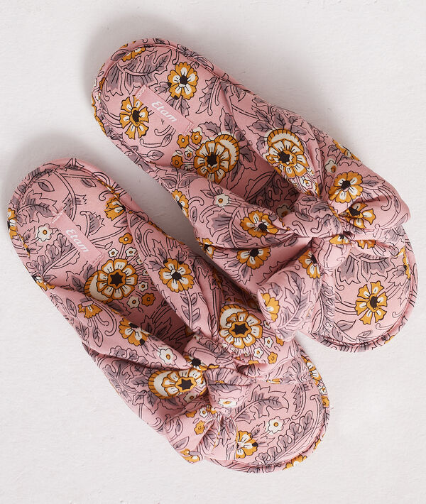Zapatillas tipo chancla estampadas;${refinementColor}