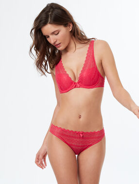 Sujetador triangular push up de encaje. copa a-c fucsia.