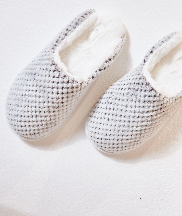 Zapatillas mullidas con forro interior;${refinementColor}