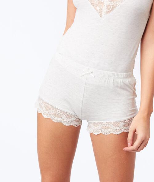Pantalón corto  motivos de encaje