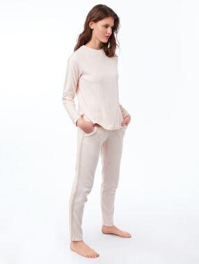 Pantalón liso franja lateral rosa pálido.