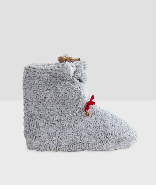 Zapatilla tipo botines llama