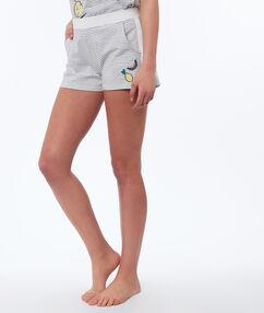 Pantalón corto estampado de rayas blanco.