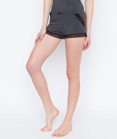 Pantalón corto motivos encaje c.gris.