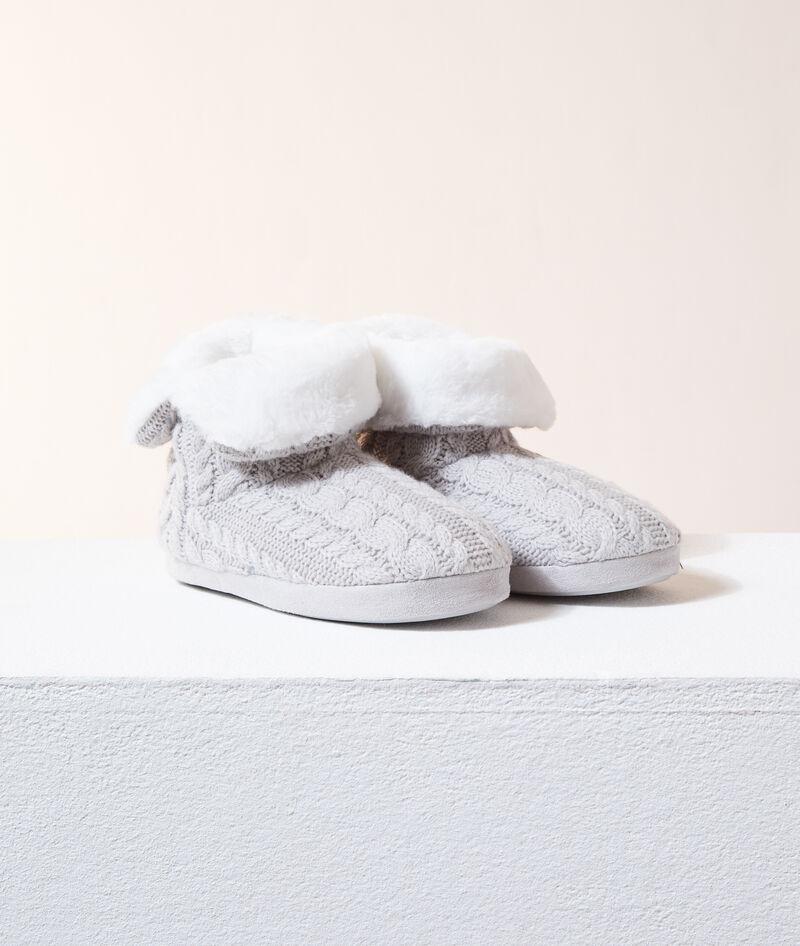 Zapatillas tipo botines con forro interior