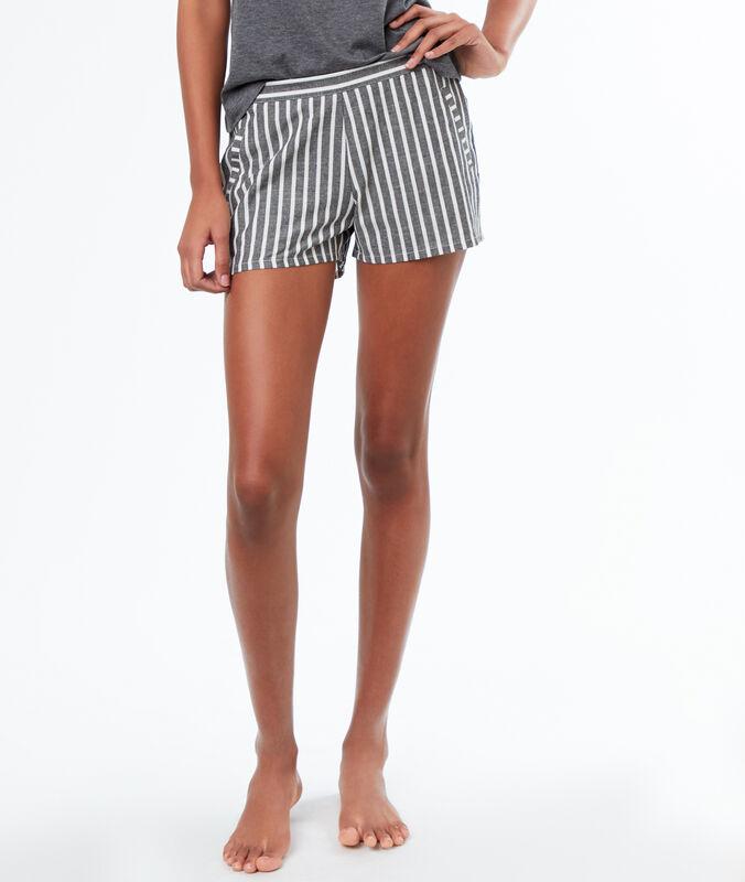 Pantalón corto estampado a rayas c.gris.