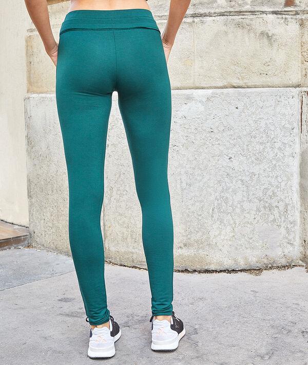 Pantalón sportswear con bolsillos