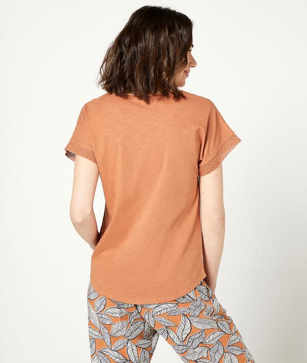 Camiseta manga corta, pompones decorativos;${refinementColor}
