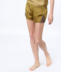 Pantalón corto estampado encaje oliva.
