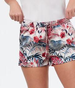 Pantalón corto estampado floral blanco.