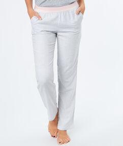 Pantalón estampado finas rayas c.gris.