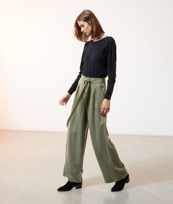 Pantalón ancho