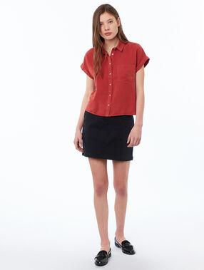 Blusa lisa manga corta tencel rojo.