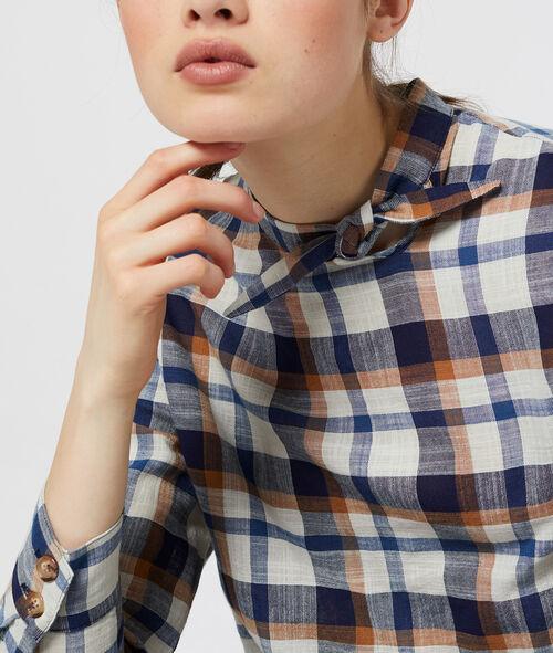 Blusa a cuadros con cuello anudado