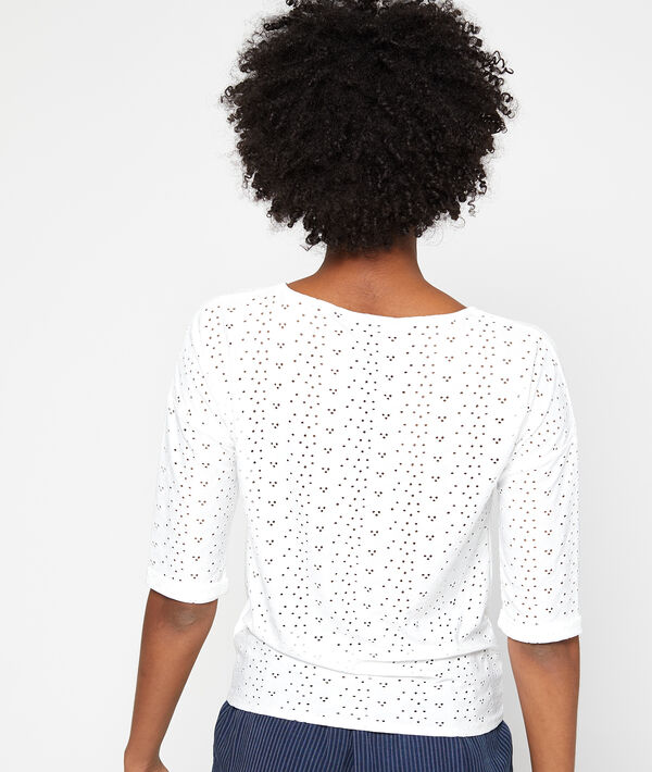 Camiseta anudada con encaje