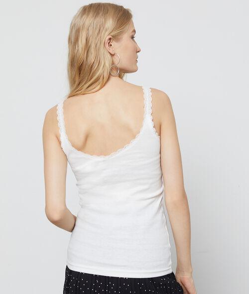 Camiseta con detalle en encaje
