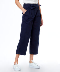 Pantalón largo ancho algodón con lazada azul marino.