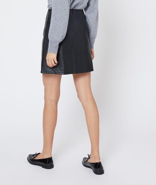 Falda de polipiel