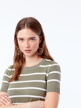 Camiseta de rayas cuello redondo caqui.